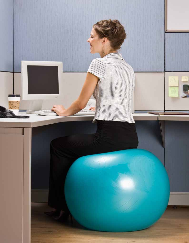 Back pain caused by sitting at a desk too long – how can I relieve it?